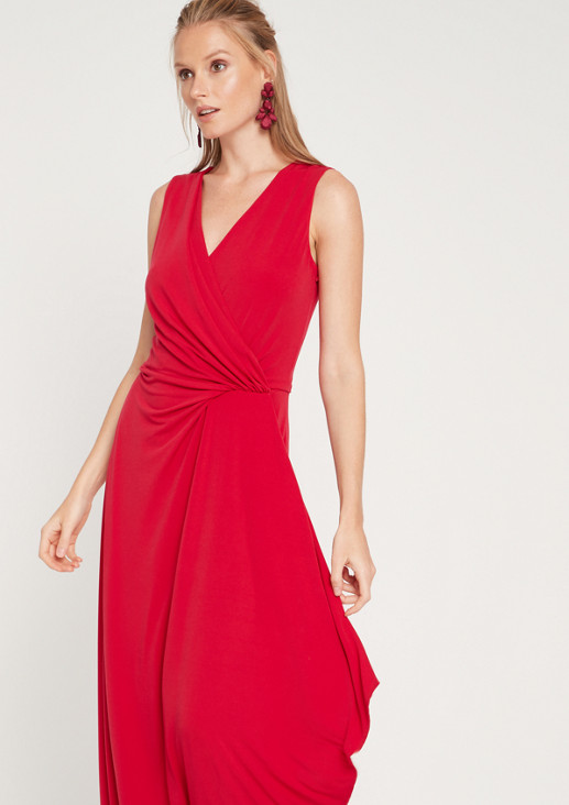 Evening gown with a cache coeur neckline from comma