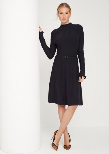 Knitted dress with a ribbed pattern from comma
