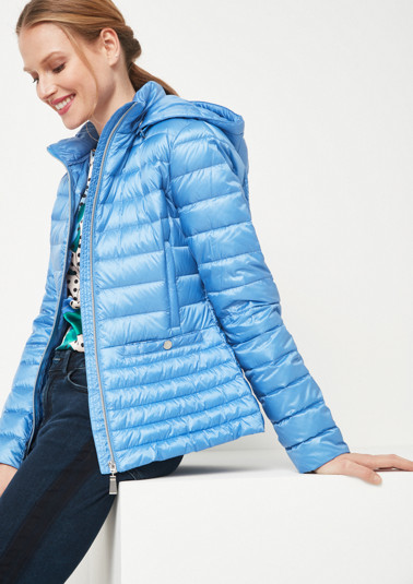 Lightweight down jacket with a classic quilted pattern from comma