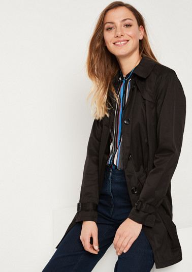 Slim trench coat with a belt from comma