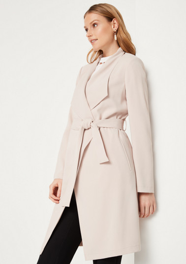 Crêpe wrap coat with a tie-around belt from comma