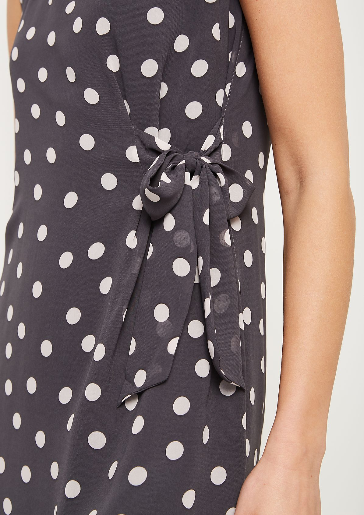 Delicate chiffon dress with an all-over floral pattern from comma