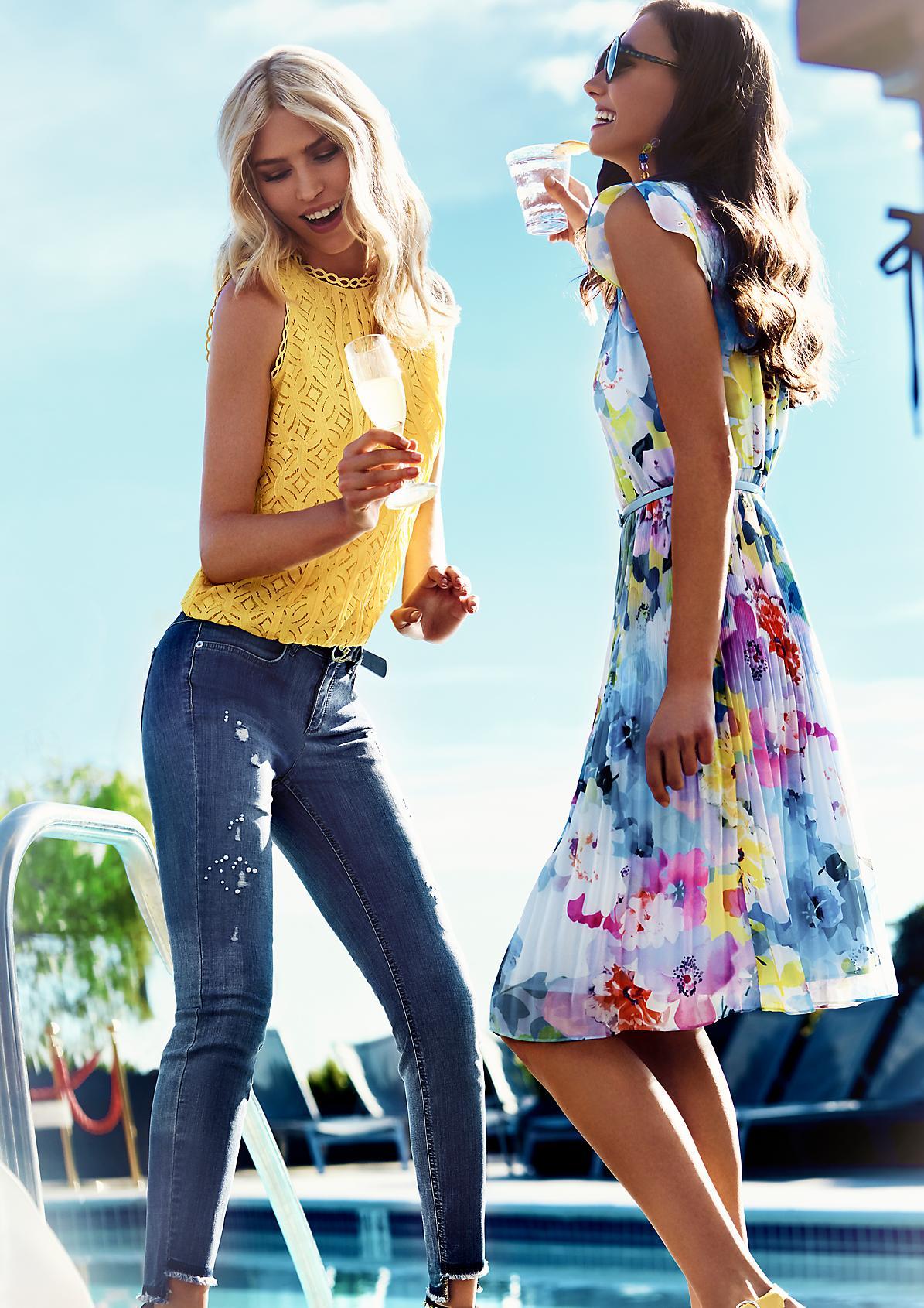 Sommerliches Chiffonkleid mit Floral-Alloverprint