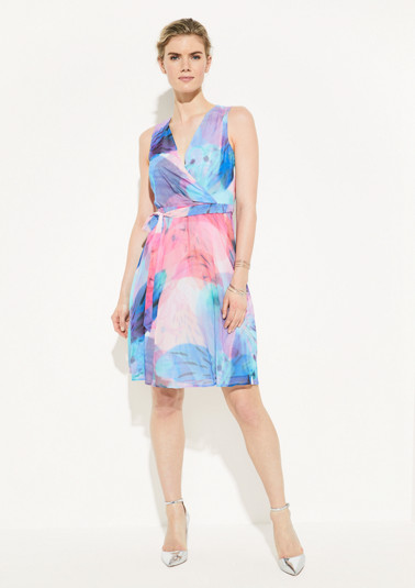 Crêpe dress with a decorative all-over pattern from comma