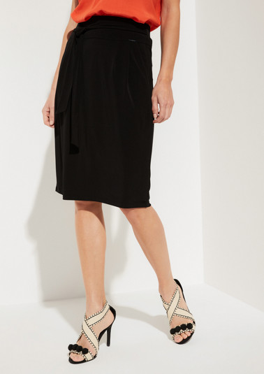 Lightweight jersey skirt with sophisticated details from comma