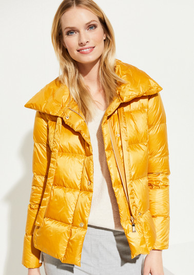 Lightweight down jacket with a modern quilted pillow design from comma