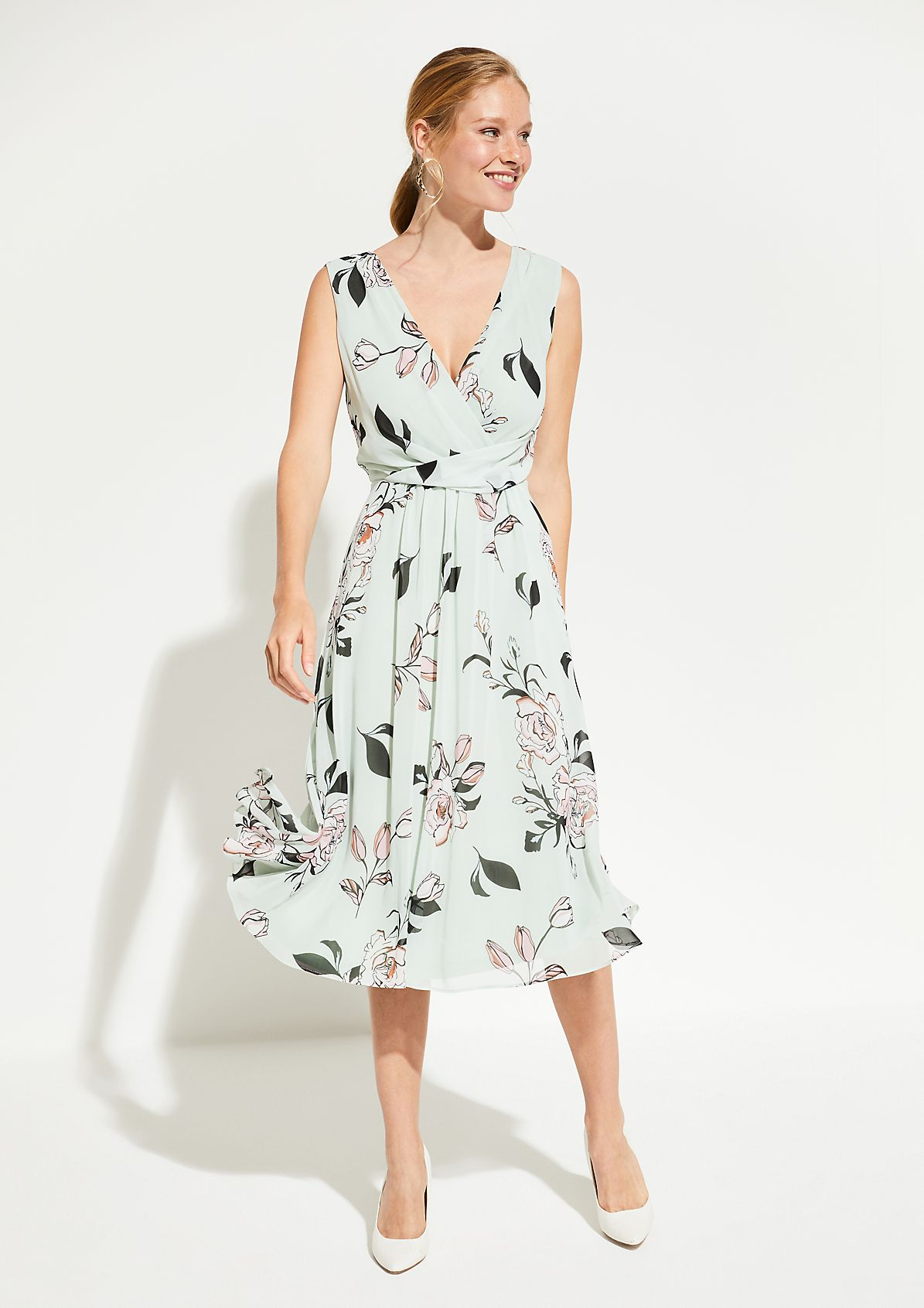 Fine crêpe dress with an elegant pattern from comma