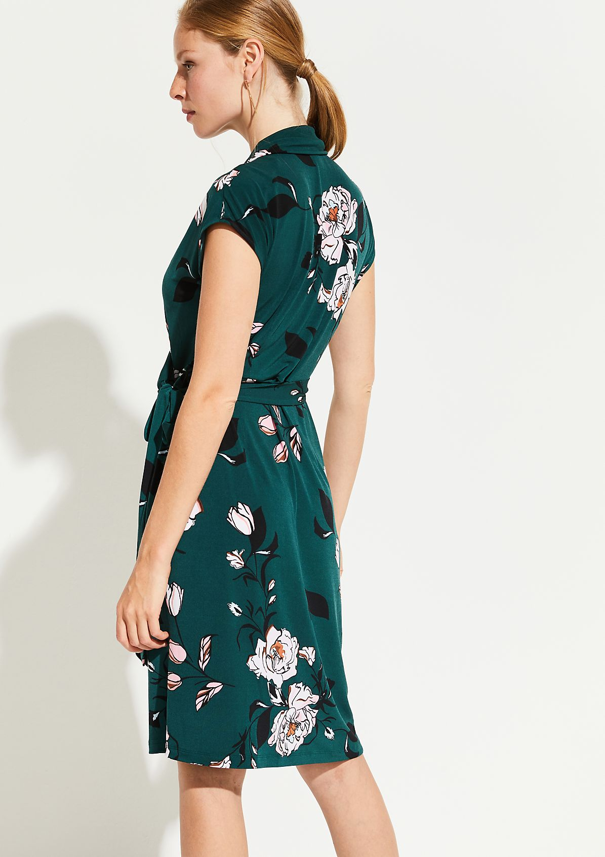 Jersey dress with a decorative floral pattern from comma