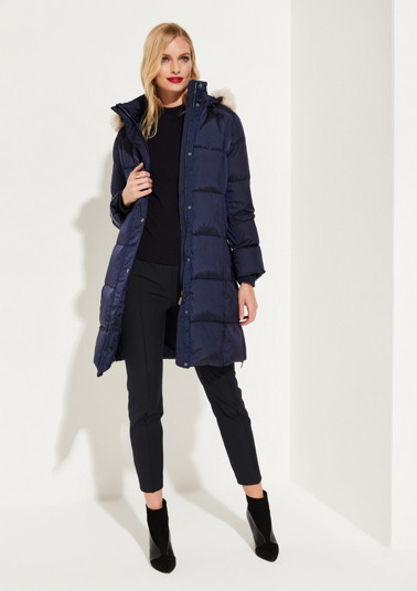 Warm down coat with detachable hood from comma