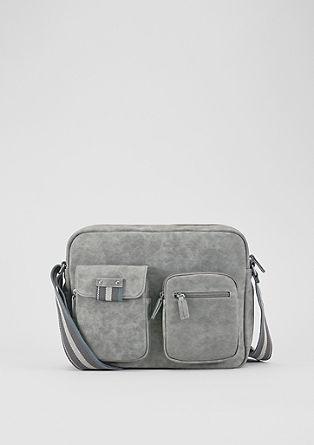 Messenger Bag mit aufgesetzten Taschen