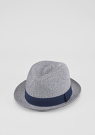Lightweight two-tone hat from s.Oliver