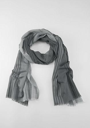 Luchtige sjaal met een gestreepte look