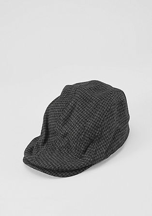 Sports cap with a houndstooth pattern from s.Oliver