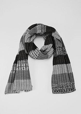 Gebreide sjaal met blokstrepen