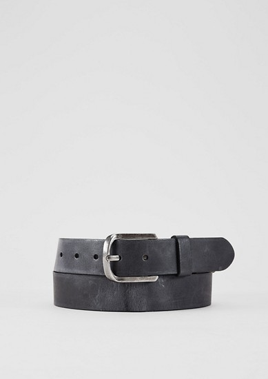 Vintage-style leather belt from s.Oliver