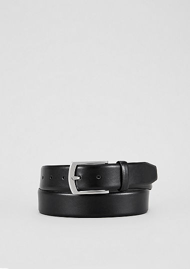 Leather belt with a shiny buckle from s.Oliver