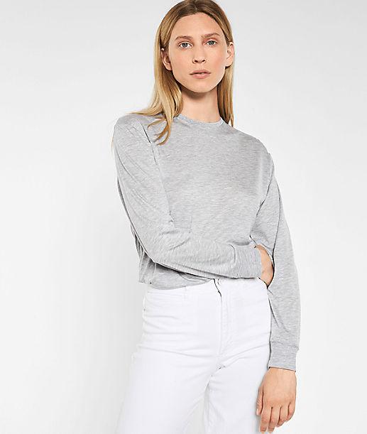 Sweater mit Glitzerausschnitt