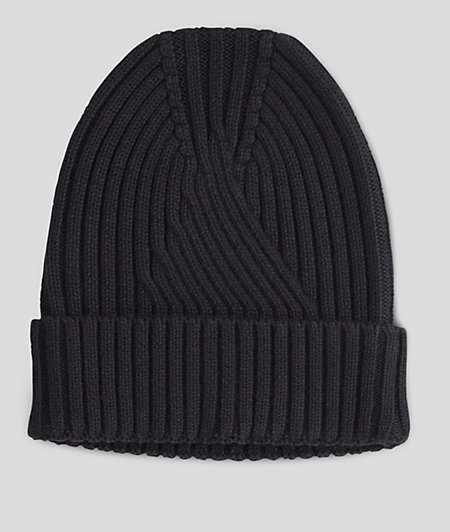 Mütze im Rippstrickdesign