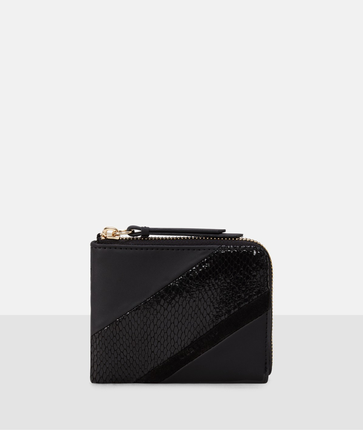 Purse with a zip from liebeskind