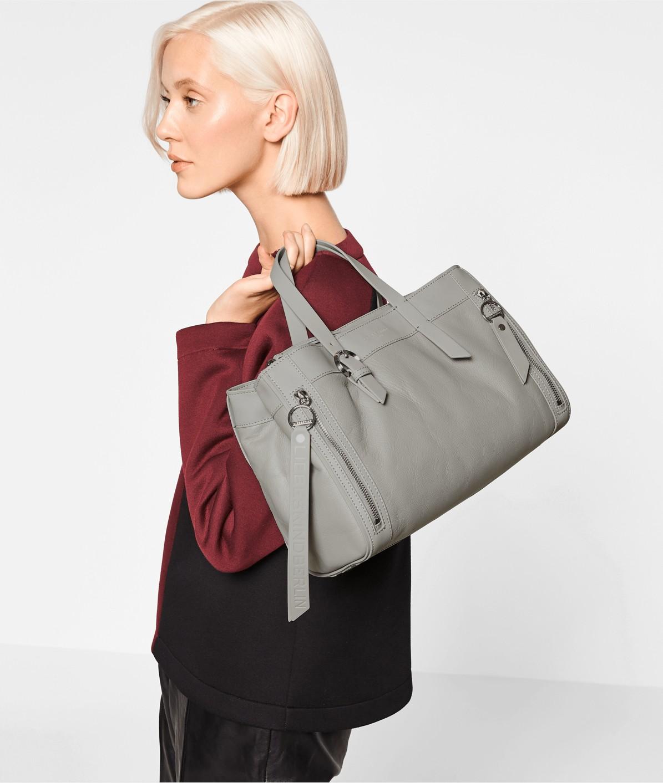 Henkeltasche mit Fronttaschen