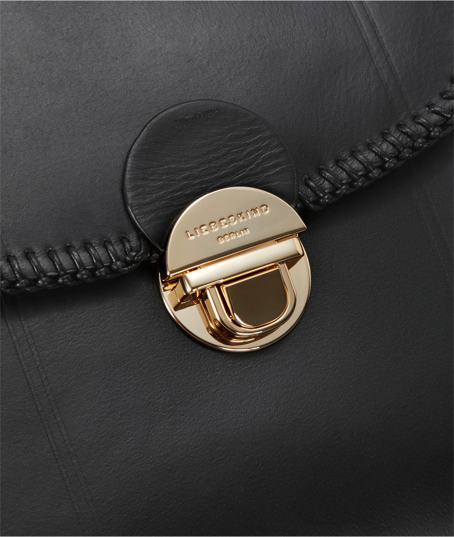 Crossbody Bag mit Tragekette