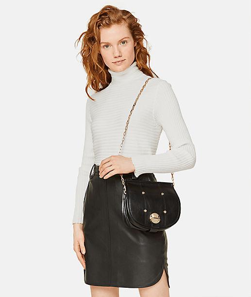Schultertasche im Saddle-Bag-Look