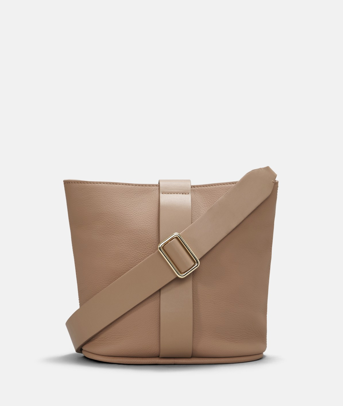 Shoulder bag in a bucket design from liebeskind
