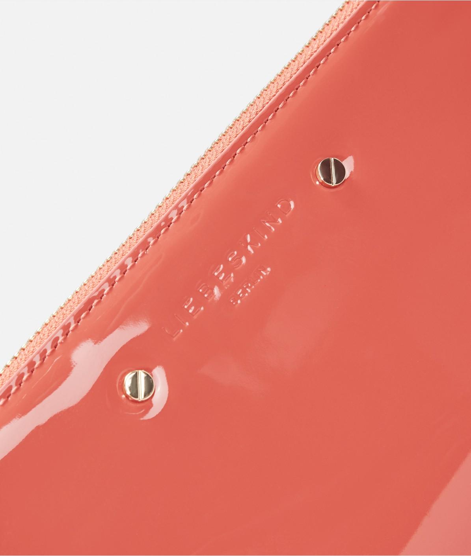 Geldbörse aus Lackleder