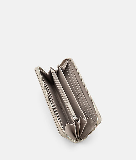 Geldbörse mit aufgesetzten Lederstreifen