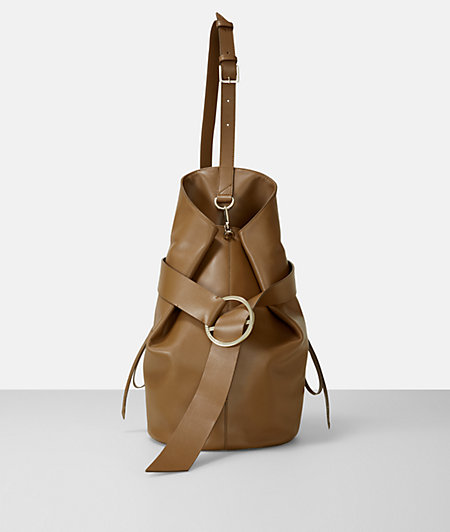 B Bag im cleanen Nappaleder-Design