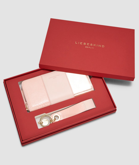 Gift set comprising wallet and keyring from liebeskind