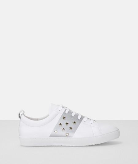 Sneaker mit Sternenmuster
