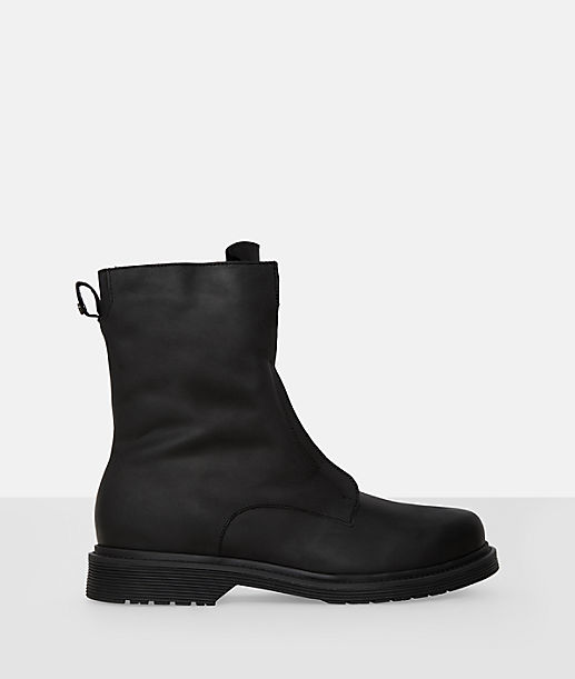 Slip-on leather boots from liebeskind